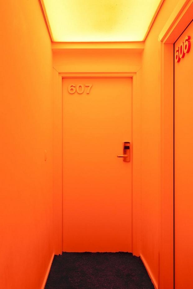 pantone-hotel-2b